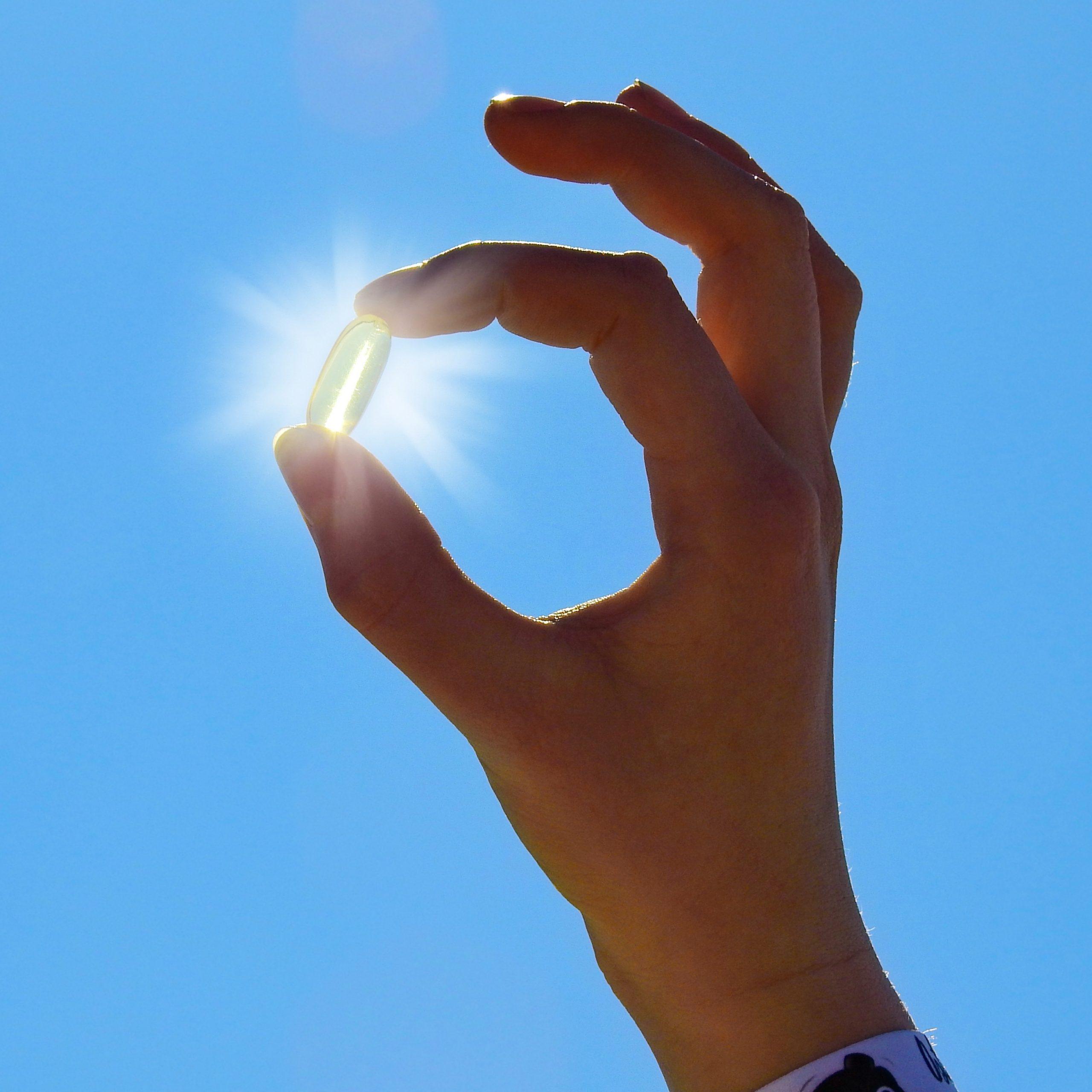 Mit einem 10- bis 20-minütigen Sonnenbad werden im Sommer ca. 10.000 IE bis 20.000 IE (Internationale Einheiten) Vitamin-D erzeugt.
