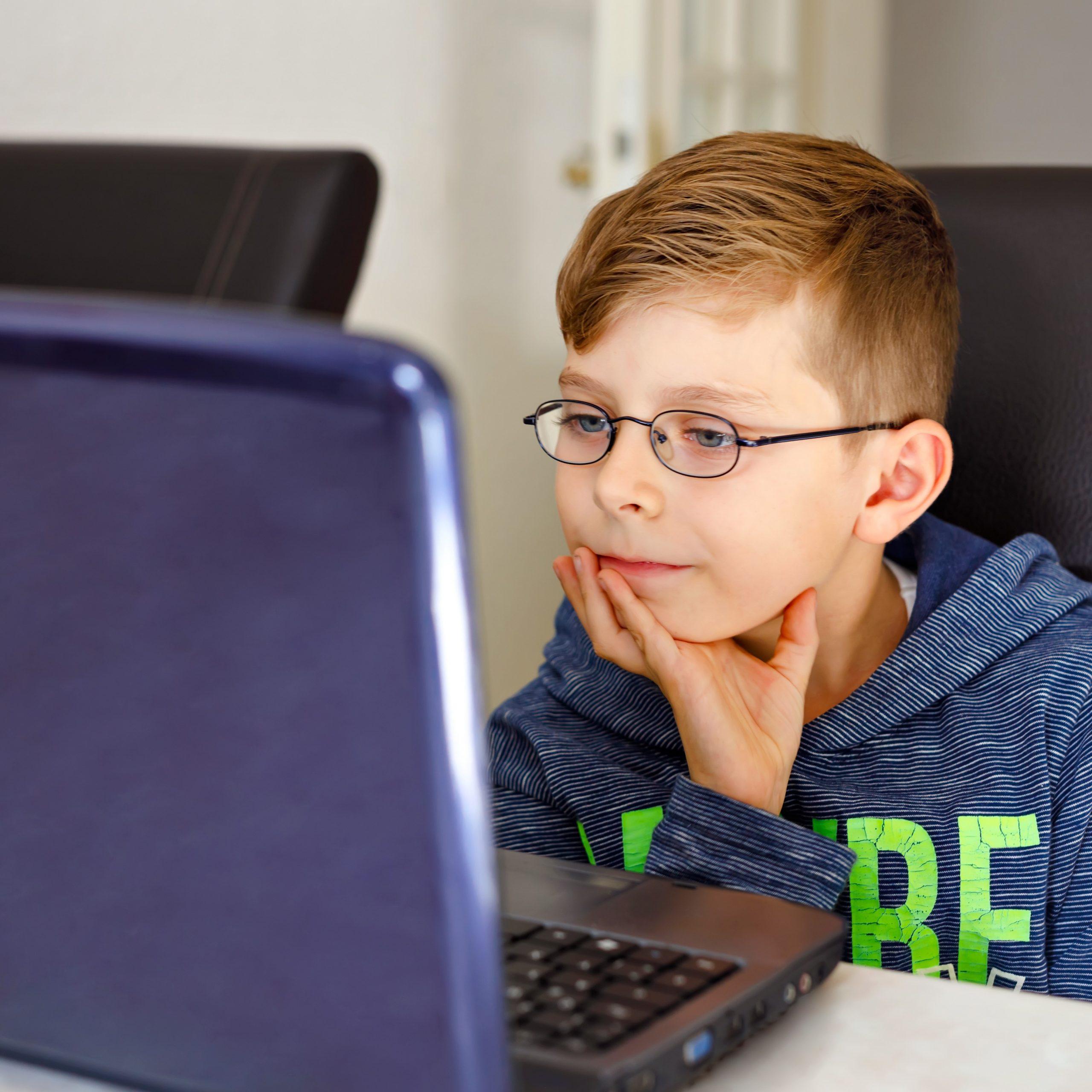 Die Uni Saarland erklärt Kindern online alles, was sie über das Corona-Virus wissen wollen
