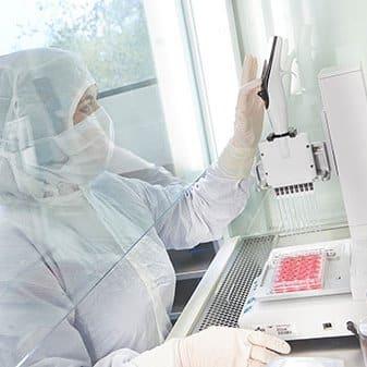 Neue Wege im Kampf gegen Krebs: Unterstützt vom Bund wollen Regensburger Forscher neue Behandlungs- und Therapieansätze vorantreiben.