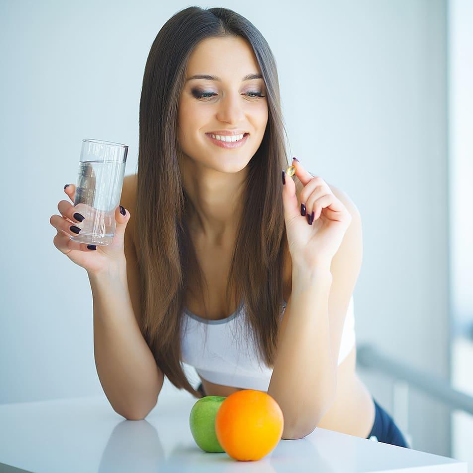 Insbesondere bei Fastenden, die sich im Vorfeld einer Fastenkur nicht optimal ernähren, kann es zu einem Mangel essenzieller Biofaktoren wie Vitaminen und Mineralstoffen kommen.