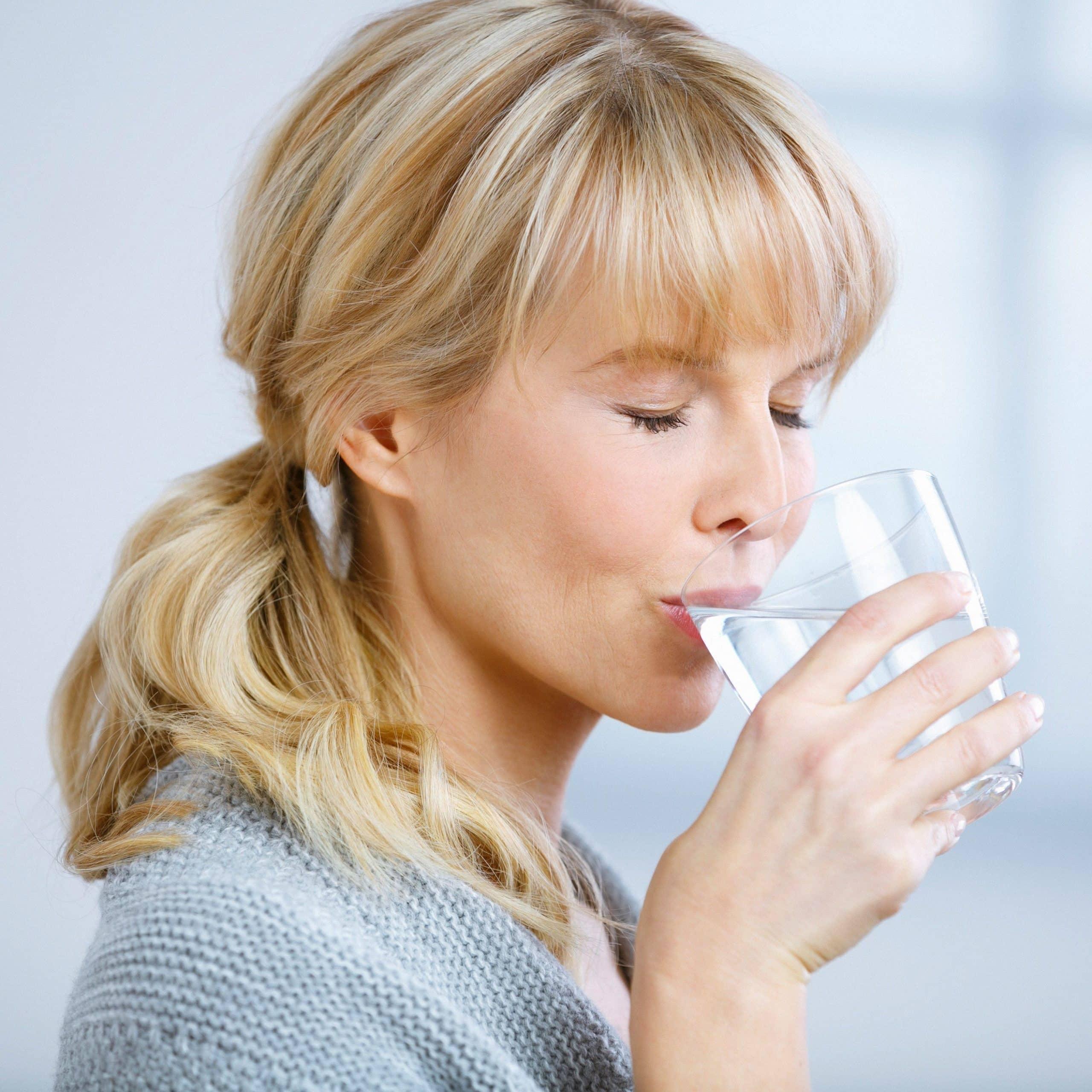 Wasser ist nicht nur erforderlich für die Aufrechterhaltung des Flüssigkeitshaushaltes, sondern auch wertvoll als Nährstofflieferant.