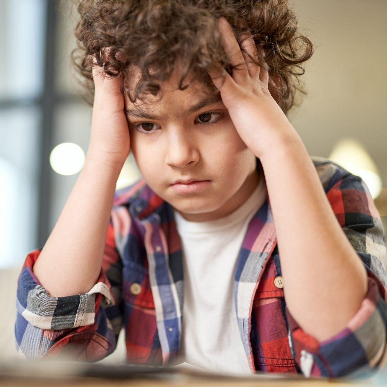 Umfrage: Angst vor beruflicher Zukunft und psychischen Störungen wegen Corona bei Kindern